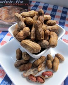 Old fashioned southern boiled peanuts in the crockpot!