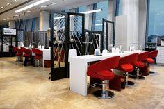 Парикмахерские кресла Caruso из коллекции #SalonItaly итальянской фабрики #Maletti в интерьере салона LEGEND NY TSVETNOY.  В салоне Legend New York Цветной вам сделают фирменную укладку стрижку или окрашивание позаботятся о ваших ногтях и бровях а также подготовят к любому мероприятию.  Цветнои бульвар д.15 стр 1 Универмаг Цветнои 4 этаж Время работы: с 7:00 до 23:00. Единая служба записи: 7(495) 644-44-74  #мебель #салонсмалетти #салонкрасоты #интерьер #дизайн #дизайнерскаямебель…