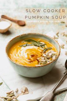 Slow Cooker Pumpkin Soup – The Novice Housewife - Vegan Pumpkin Slow Cooker Pumpkin Soup, Vegan Pumpkin Bread, Creamy Pumpkin Soup, Pumpkin Pasta, Slow Cooker Soup, Slow Cooker Recipes, Crockpot Recipes, Soup Recipes, Vegan Recipes