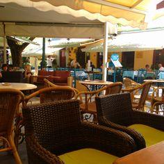 Oinios Cafe, Plaka, Greece