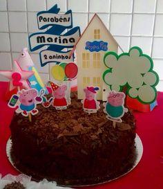 Topper do bolo tema Peppa produzido por Mônica Guedes