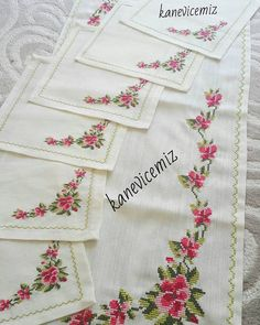 This Pin was discovered by şer Embroidery Patterns, Cross Stitch Patterns, Beaded Cross Stitch, Bargello, Small Flowers, Needlework, Diy And Crafts, Handmade, Ideas