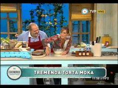 Torta moka de panqueques / Crema de café:  Crema de leche 500 cc / Azúcar impalpable 2 cdas  /Café en polvo 3 cdas