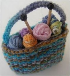 Knitting+Ideas | minature knitting bag pattern ornament for knitting lovers one hour