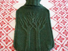 """Easy hot water bottle knitting pattern """"all you need - a classic by LondonLeo """" FREE pattern (intertwined trees motif)"""