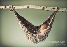 this is such a fantastic idea, Good thing I already know how to knit! I believe I'll be making these in the future.