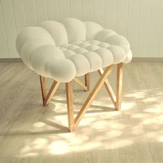 The 'Snöbär' Chair by Nebojsa Gornjak and Natasa Vukosavljevic mixes its durable and resistant oak wood frame along with a softly shaped seat top. Whether displayed within one's home or within a green garden setting, this memorable chair design brings its natural inspiration to life thanks to its organic form and unconventional concept.