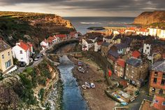 Staithes North Yorkshire England - Amazing World Places Travel Guide To See Beautiful World Yorkshire England, South Yorkshire, English Villages, Places To Travel, Places To See, Scotland Destinations, Beautiful World, Beautiful Places, Wales Holiday