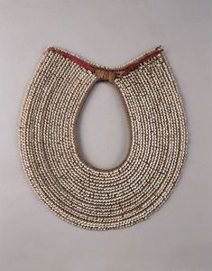 collar+conchas+y+fibra+vegetal+pacifico+sur+1900.jpg (500×637)