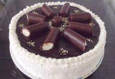 Túrórudi torta SüniSüti konyhájából Hungarian Desserts, Hungarian Cake, Best Cake Recipes, Cupcake Recipes, Dessert Recipes, Tea Cakes, Cupcake Cakes, Food Cakes, Coconut Brownies