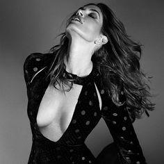 MAISON MARGIELA https://www.fashion.net/designers/maison-margiela/  #maisonmargiela #fashion #fashionnet #mode #moda #style #women #designer