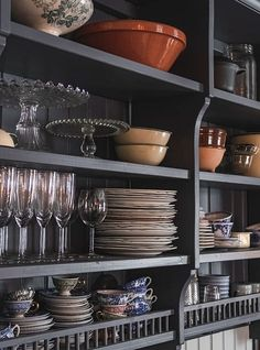 my scandinavian home: Could You Be The Next Owner of This Idyllic Swedish Country Estate? Kitchen Shelves, Kitchen Dining, Dining Room, Small Space Living, Small Spaces, Barn Parties, Cottage Interiors, Country Estate, Scandinavian Home