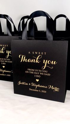 Gold Wedding Favors, Wedding Welcome Bags, Wedding Favor Bags, Gifts For Wedding Party, Diy Wedding, Dream Wedding, Wedding Invitations, Wedding Day, Wedding Favors For Guests