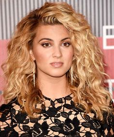 How to DIY the VMAs' Most UnbelievablyGorgeous BeautyLooks - Tori Kelly  from InStyle.com