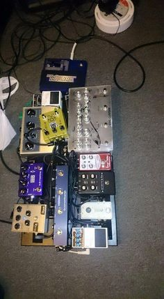 my board at practice tonight! i know it wnt all fit on! @LateralSound @fuzzrocious @cogeffects @OriginEffects