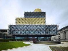 Avrupa'nın en büyük halk kütüphanesi Birmingham, Hollandalı mimar grup Mecanoo tarafından tasarlandı.