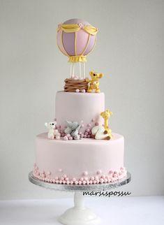 Marsispossu: Hempeä pastellisävyinen kuumailmapallokakku, Hot air balloon cake