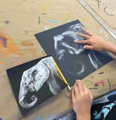 Black & White Chalk Pastel Drawing | http://www.smallhandsbigart.com White Chalk, Pastel Drawing, Chalk Pastels, Chalk Pastel Art, Chalk Art, Drawing Projects, Drawing Lessons, Drawing Tips, Art Camp