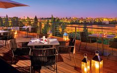 Hotels with rooftop Restaurants