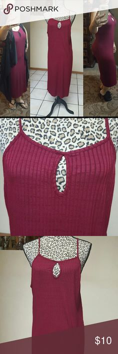 "Burgundy dress 44.5"" from shoulder to hem  Super stretchy cotton Versitile dress down or dress up  It doesn't have size but I estimate fits a med.- lrg  C- Dresses Midi"