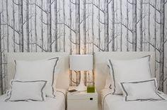 papel pintado arboles en pared dormitorio