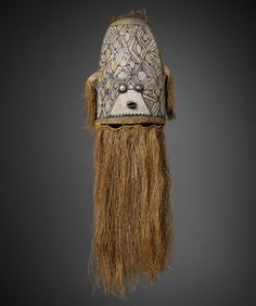 Grand masque Wauja (Amazonie actuelle). Musée du quai Branly. Photo by Patrick Griès. #Mask