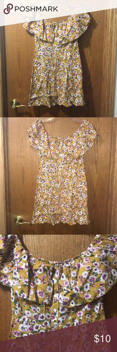 Forever 21 off the shoulder printed dress Forever 21 off the shoulder floral printed dress with buttons Forever 21 Dresses Mini