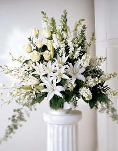 Ital Florist - The FTD Light In Your Honor  www.italflorist.com 1-800-461-4825