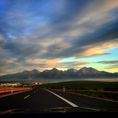 Poprad Singing Hallelujah, Life Is Beautiful, Amazing Places, Four Square, Poland, The Good Place, Cities, Sunrise, National Parks