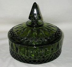 Indiana USA Princess Pattern Avocado Green Candy Box w Lid Antiques Value, Green Candy, Indiana Glass, Candy Boxes, Antique Glass, Avocado, Cleaning, Princess, Usa