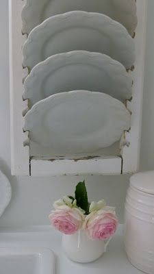 Upcycle ~ Turn a shutter into a plate holder ...so shabby chic