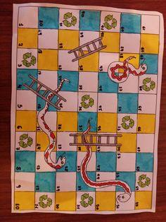 """Ταμπλό """"φιδάκι της ανακύκλωσης"""" χειροποίητο στα πλαίσια του προγράμματος για την ανακυκλωση Quilts, Blanket, Quilt Sets, Blankets, Log Cabin Quilts, Cover, Comforters, Quilting, Quilt"""