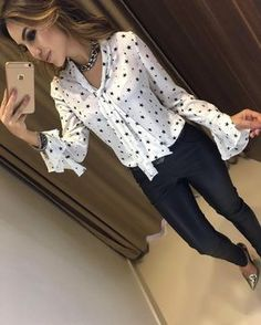 outonoinverno camisa star off Casual Chic, Casual Wear, Girl Outfits, Fashion Outfits, Womens Fashion, Shirt Tutorial, Short Tops, Western Outfits, Blouse Vintage