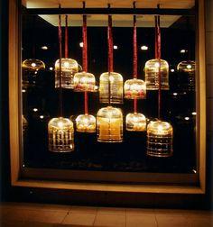 vetrina con gabbie 1° classificata al concorso vetrina di natale