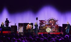 Fleetwood+Mac+review+–+back+together,+and+just+about+perfect
