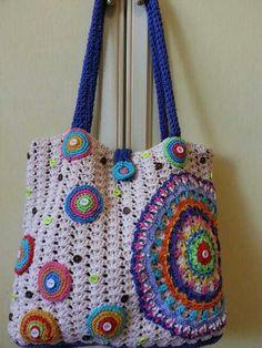 Hippie Bolsa de Crochê com Gráficos: 90 Modelos Bag Crochet, Crochet Handbags, Crochet Purses, Crochet Stitches, Crochet Patterns, Hippie Bags, Boho Bags, Gypsy Bag, Crochet Classes