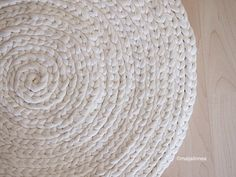Discount Carpet Runners By The Foot Key: 8417057101 Beige Carpet, Diy Carpet, Crochet Carpet, Knit Crochet, Painting Carpet, Bedroom Carpet, Handmade Home, Carpet Runner, Strands