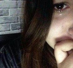Crying Eyes, Crying Girl, Sad Alone, Alone Girl, Best Photo Poses, Girl Photo Poses, Fake Girls, Girls Dp, Aesthetic Grunge