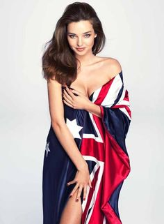 Sexy Miranda Kerr shows off her patriotic side in a saucy snap of her naked body draped in the Australian flag. Geri Halliwell, Helen Mirren, Claudia Schiffer, Australian Models, Australian Fashion, Australian Beach, Australian Artists, Most Beautiful Faces, Beautiful People