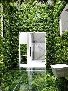 House vision 2013. Exhibition Tokyo. Mur végétal. Sol végétal et verre.