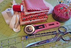 Christmas in July with Moda: Drawstring Gift Bags in Dear Mr. Claus   Sew4Home