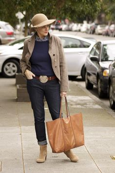 buttoned up/style at a certain age 60 Fashion, Fashion Over 40, Mature Fashion, Over 50 Womens Fashion, Advanced Style, Casual Jeans, Casual Outfits, Winter Outfits, Casual Chique