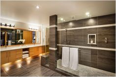 frosted glass bathtub | Thanks to Harbour City Kitchens at http://www.harbourcitykitchens.com