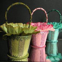 Magia Mia: Elegant Spring Baskets from Peat Pots with Crepe Paper, German Glass Glitter, & Dresden Girls Dollhouse, Berry Baskets, Diy Ostern, Easter Crafts, Easter Ideas, Easter Decor, Paper Basket, Vintage Easter, Crepe Paper