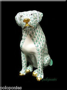 HEREND Labrador Sitting - Green Fishnet - Domestic Collection - First Edition
