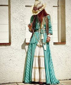 40 Unique Boho Spring Outfits Ideas For Your Wardrobe In 2018 - - Fantastic Boho Chic Style For Teenage Source by Gypsy Style, Bohemian Style, Boho Chic, Boho Outfits, Spring Outfits, Fashion Outfits, Casual Outfits, Style Feminin, Estilo Hippie