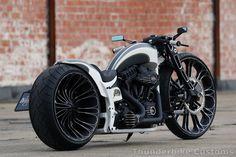 #Thunderbike TBR with the latest Thunderbike #Harley Breakout parts