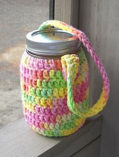water jar cozy | a tiny forest. Pattern calls for a hair elastic for a more snug fit near the mouth.