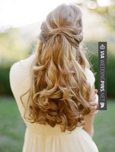 Long hair can be styled in many gorgeous ways for the big day. Here are top wedding hairstyles for long hair that will give you an idea to come up with the perfect hairdo Wedding Hairstyles For Long Hair, Wedding Hair And Makeup, Down Hairstyles, Pretty Hairstyles, Hair Makeup, Bridal Hairstyles, Hair Wedding, Wedding Blog, Wedding Ideas