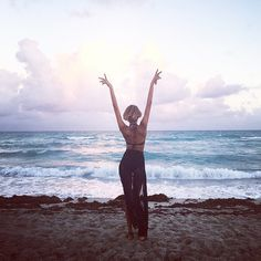 Jourdan Dunn Takes in the Waves